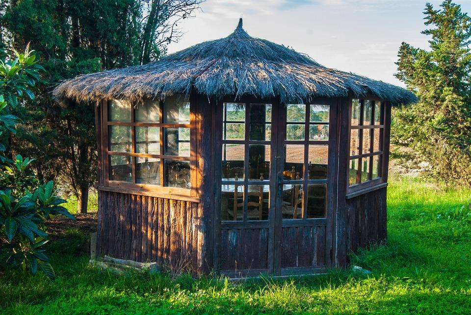 La pergolas, une construction idéale pour passer d'excellent moment de détente et de relaxtion entre amis etc